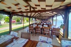 kucukkuyu-gulet-restaurant-garden-beach-1