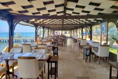 kucukkuyu-gulet-restaurant-garden-beach-6