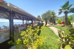 kucukkuyu-gulet-restaurant-garden-beach-7